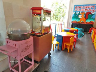 kids-dine-area-2