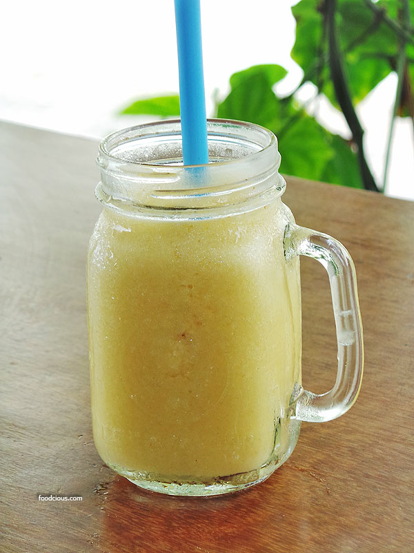 Banana-passion-fruit-mango-juice