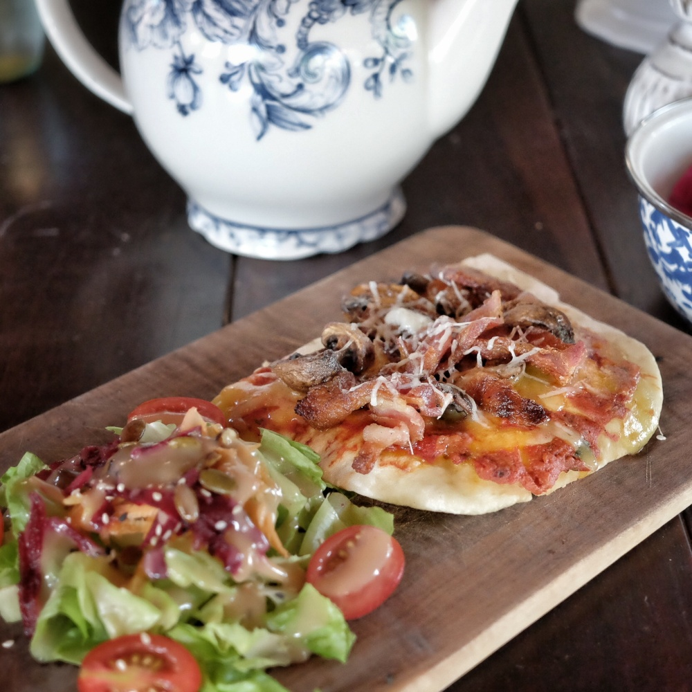 Bacon Mushroom Flat Bread Pizza
