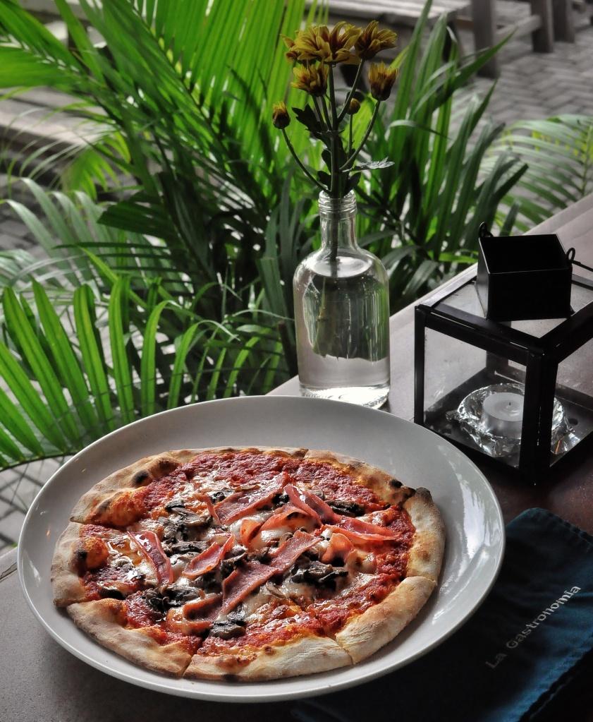 Foodcious Food Blog Review at La Gastronomia Restaurant Bali Prosciutto e Fungi