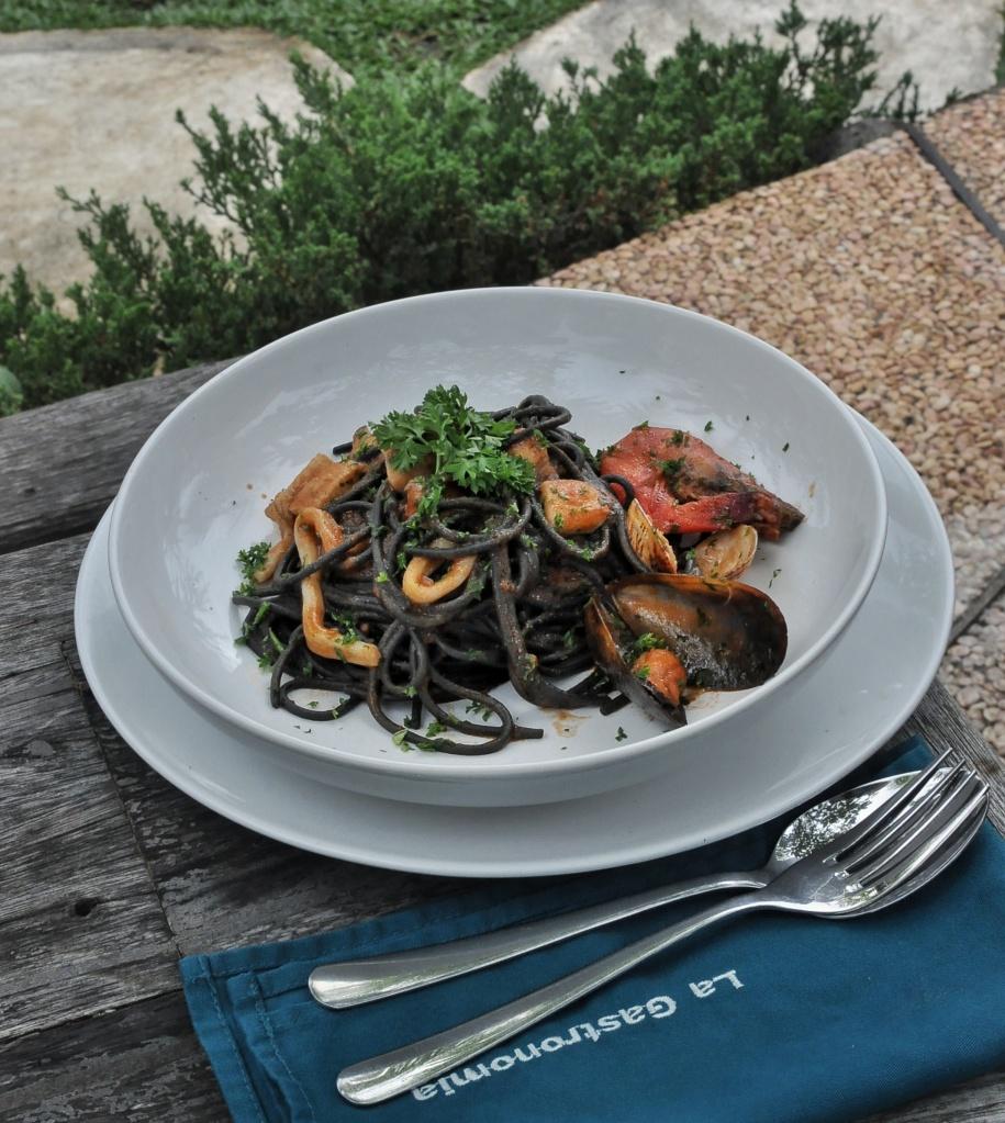 Foodcious Food Blog Review at La Gastronomia Tonnarelli Neri Allo Scoglio