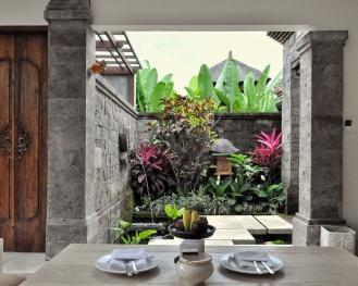 Entrance Villa Visesa Ubud Bali