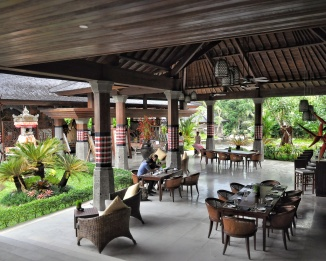 Lobby Cafe Villa Desa Visesa Ubud Bali