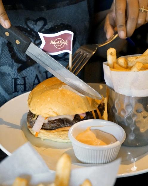 food-guide-bali-hard-rock-kafe-Kuta-27